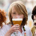 vrouwen-met-biertjes