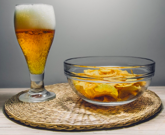Meta-analysis finds association between alcohol consumption and food energy intake