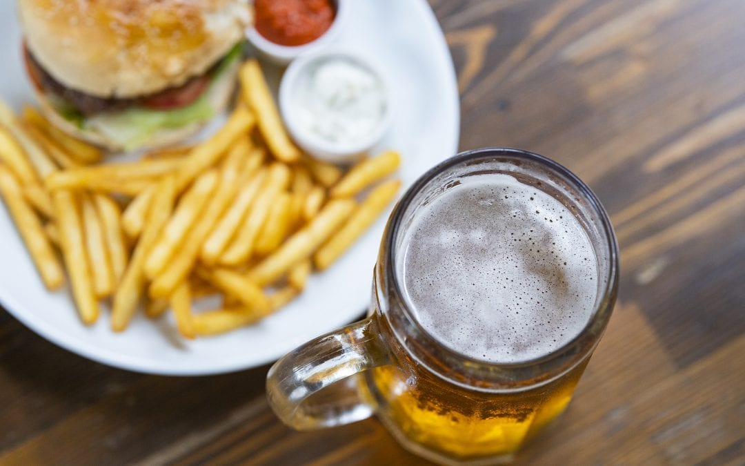 Does alcohol consumption influence what we eat? A systematic-review